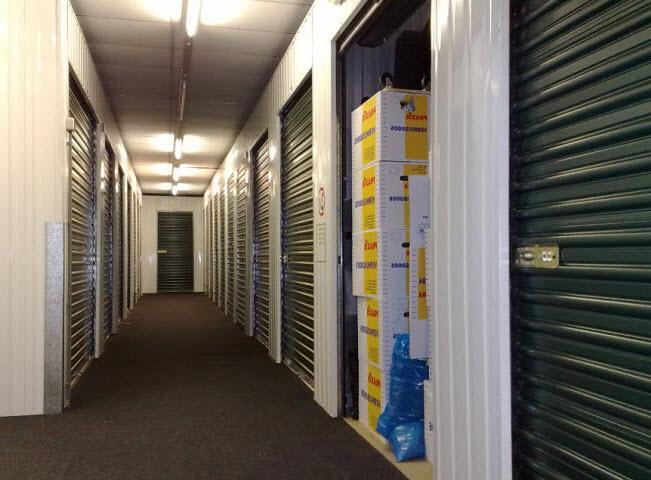 Espaces d 39 entreposage pour le stockage for Entreposage meuble montreal